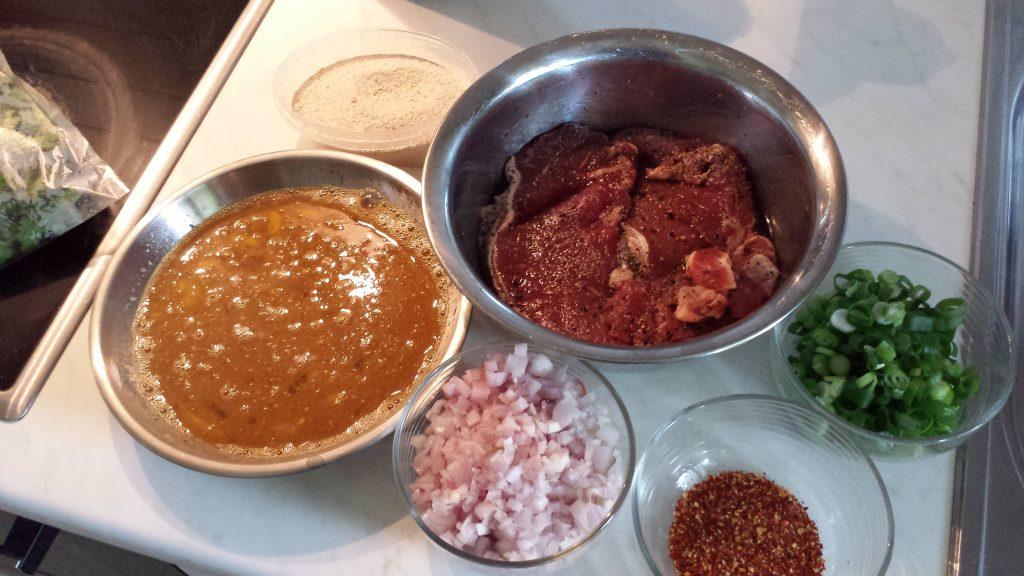 Zutaten für den Rindfleischsalat