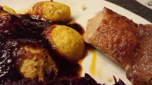Ente mit Rotwein-Soße und Rotkohl