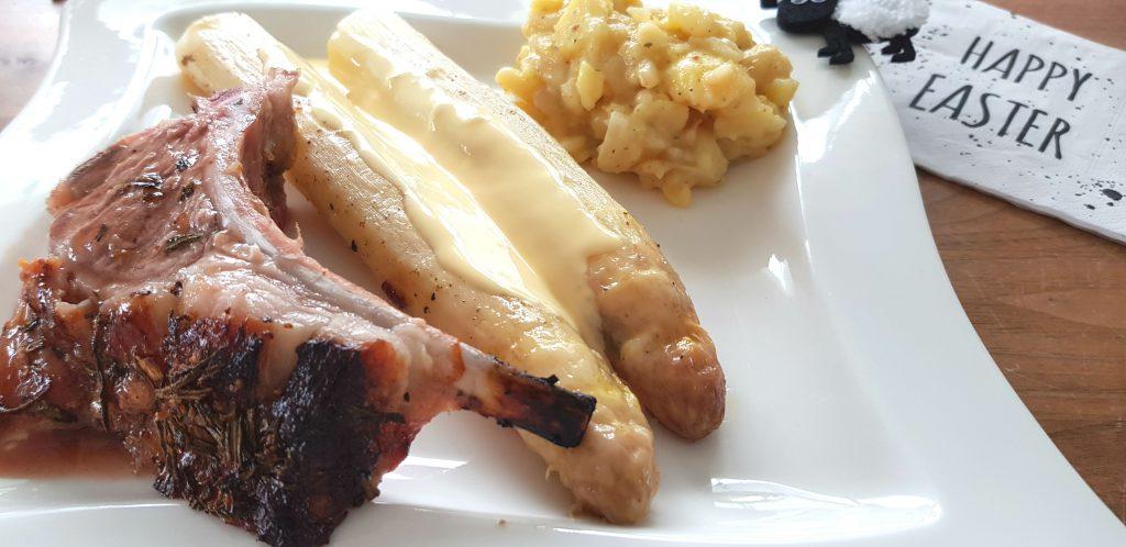 Lamm Karree mit Spargel und Kartoffelsalat